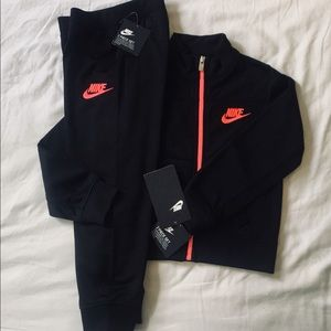 NWT Nike Track Suit Athletic Coat & Pants Size 3T